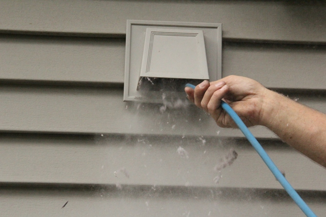 4 Excellent Reasons to Start Cleaning Your Dryer Vent